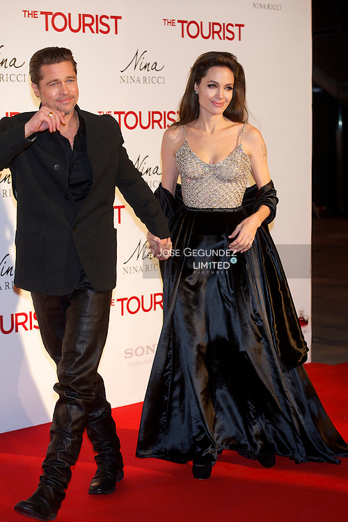 Brad Pitt and Angelina Jolie attend 'The Tourist premiere at Palacio de los Deportes on December 16, 2010 in Madrid, Spain