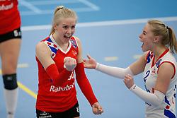 20180303 NED: Eredivisie Sliedrecht Sport - VC Sneek, Sliedrecht <br />Anniek Siebring of VC Sneek, Janieke Popma of VC Sneek <br />&copy;2018-FotoHoogendoorn.nl / Pim Waslander