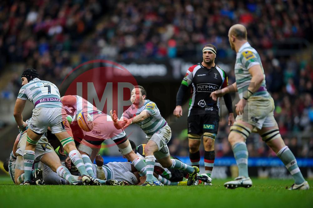 London Irish Scrum-Half (#9) Darren Allinson passes from a breakdown during the first half of the match - Photo mandatory by-line: Rogan Thomson/JMP - Tel: Mobile: 07966 386802 29/12/2012 - SPORT - RUGBY - Twickenham Stadium - London. Harlequins v London Irish - Aviva Premiership - LV= Big Game 5.