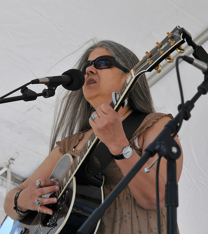 Nancy K. Dillon concert at 2010 Tucson Folk Festival. Event photography by Martha Retallick.