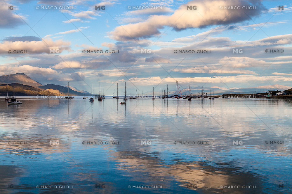 BAHIA Y PUERTO DE USHUAIA CON VELEROS, PROVINCIA DE TIERRA DEL FUEGO, ARGENTINA (PHOTO BY © MARCO GUOLI - ALL RIGHTS RESERVED. CONTACT THE AUTHOR FOR ANY KIND OF IMAGE REPRODUCTION)