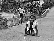 Children in the village Blanchisseusse i Trinidad.