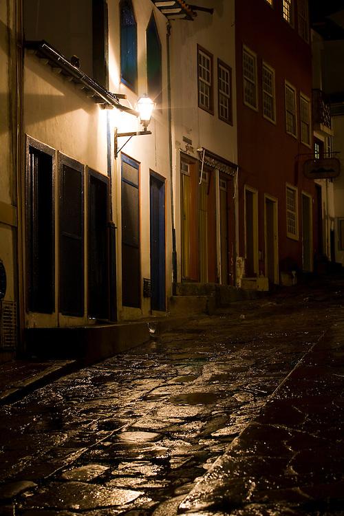 Diamantina_MG, Brasil...Ladeira em Diamantina a noite...A street in Diamantina at night...Foto: LEO DRUMOND /  NITRO