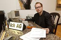 03 DEC 2002, BERLIN/GERMANY:<br /> Peter Kees, Kuenstler, nimmt die Aufforderung zur Gruendung von ICH AGs woertlich und versendet Rechnungen an Politiker in denen er Lebenszeitsleistung, Demokratische Aktivitaetspauschale und den Kultur und Kunstbeitrag seinerselbst berechnet, in seiner Wohnung, Prenzlauer Berg<br /> IMAGE: 20021203-01-002<br /> KEYWORDS: Künstler