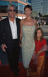 Jul 25, 1999; Los Angeles, CA, USA; Actor RICHARD GERE & CARY LOWELL with her daughter @ the premiere of 'Runaway Bride.'.  (Credit Image: ONS/ZUMAPRESS.com)