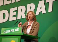 DEU, Deutschland, Germany, Berlin, 28.09.2013:<br />L&auml;nderrat (Kleiner Parteitag) von B&Uuml;NDNIS 90/DIE GR&Uuml;NEN in den Uferstudios. Rede von Kerstin Andreae, stellvertretende Vorsitzende der Bundestagsfraktion von B&Uuml;NDNIS 90/DIE GR&Uuml;NEN.