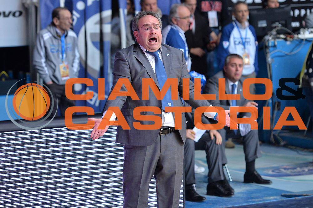 DESCRIZIONE : Cant&ugrave; Lega A 2014-15  Acqua Vitasnella Cant&ugrave; vs Openjobmetis Varese<br /> GIOCATORE : Stefano Sacripanti<br /> CATEGORIA : Coach Mani<br /> SQUADRA : Acqua Vitasnella Cant&ugrave;<br /> EVENTO : Campionato Lega A 2014-2015<br /> GARA : Acqua Vitasnella Cant&ugrave; vs Openjobmetis Varese<br /> DATA : 26/01/2015<br /> SPORT : Pallacanestro <br /> AUTORE : Agenzia Ciamillo-Castoria/I.Mancini<br /> Galleria : Lega Basket A 2014-2015  <br /> Fotonotizia : Cant&ugrave; Lega A 2014-2015 Pallacanestro : Acqua Vitasnella Cant&ugrave; vs Openjobmetis Varese<br /> Predefinita :
