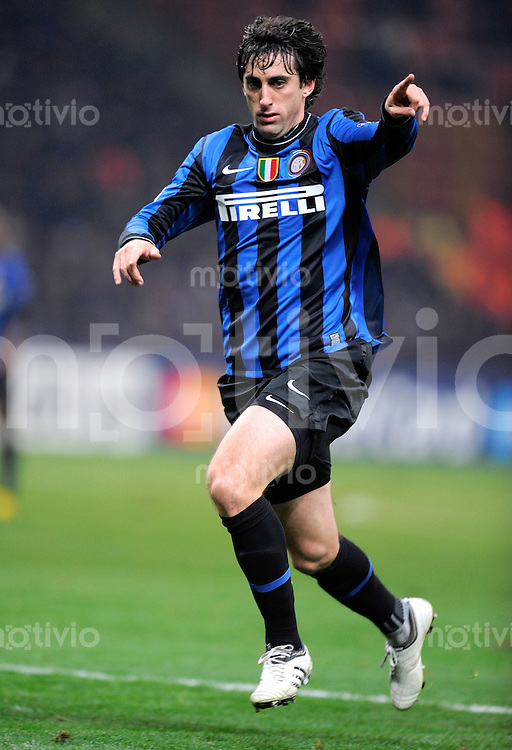 FUSSBALL  International  Champions League  SAISON 2009/2010    Inter Mailand  - Kazan       09.12.2009 Diego Milito  (Inter)