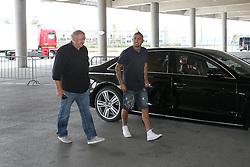 28.07.2015, Allianz Arena, Muenchen, GER, 1. FBL, FC Bayern Muenchen, Vorstellung von Arturo Vidal, im Bild Arturo Vidal wird vorgefahren zur Mixzone und steigt aus dem Auto // during the new Play Presentation of Arturo Vidal as new Player of FC Bayern Munich at the Allianz Arena in Muenchen, Germany on 2015/07/28. EXPA Pictures &copy; 2015, PhotoCredit: EXPA/ Eibner-Pressefoto/ Kolbert<br /> <br /> *****ATTENTION - OUT of GER*****