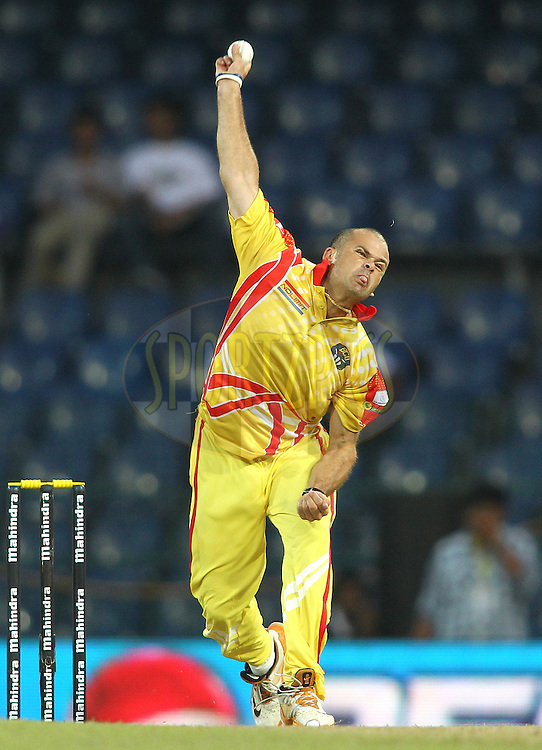 Charl Langeveldt of Basnahira Cricket Dundee sends down a delivery during match 17 of the Sri Lankan Premier League between Basnahira Cricket Dundee and Ruhuna Royals held at the Premadasa Stadium in Colombo, Sri Lanka on the 25th August 2012. .Photo by Shaun Roy/SPORTZPICS/SLPL