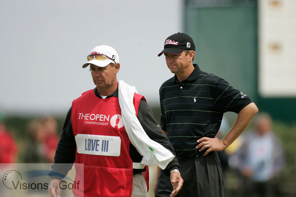 Davis Love III and caddy<br />The Open Championship 2005, St. Andrews Old GC, Scotland <br />Picture credit: Mark Newcombe / visionsingolf.com