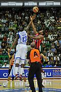 Tony Easley, Craig Brackins<br /> Banco di Sardegna Dinamo Sassari - Angelico Biella<br /> Legabasket Serie A Beko 2012-2013<br /> Sassari, 30/09/2012<br /> Foto L.Canu / Ciamillo-Castoria