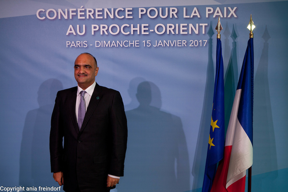 Middle East Peace Conference, Paris, France. International summit. 7O countries have participated in the summit. Jordania, Bisher Al-Khasawneh, Minister of Foreign Affairs