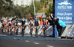 Cape Town - 180311 - Kim le Court won the Cape Town Cycle Tour women's race in Cape Town on Sunday. Photographer: David Ritchie/African News Agency/ANA