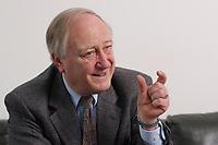 10 MAR 2003, BERLIN/GERMANY:<br /> Heinrich August Winkler, Professor fuer neuste Geschichte an der Humbold-Universitaet Berlin, waehrend einem Interview, Spiegel Redaktionsvertretung<br /> IMAGE: 20030310-01-009<br /> KEYWORDS: Historiker