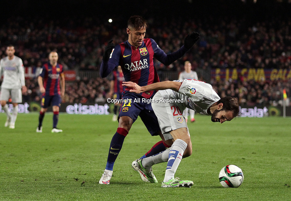 21.01.2015. Barcelona, Spain. Coppa del Rey, 1st leg. Barcelona versus At. de Madrid. Neymar challenges Juanfran (R) for the ball