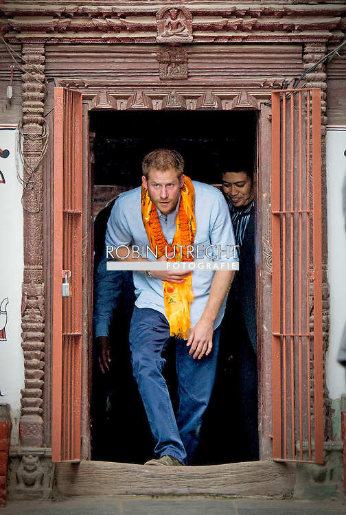 20-3-2016 KATHMANDU - Prince Harry will visit the Golden Temple, Kathmandu, from where assistance was coordinated in the immediate aftermath of the earthquake. The Prince will also meet representatives of the local community. Prince Harry during a 5 day visit to Nepal COPYRIGHT ROBIN UTRECHT prins harry engeland tijdens een bezoek aan nepal