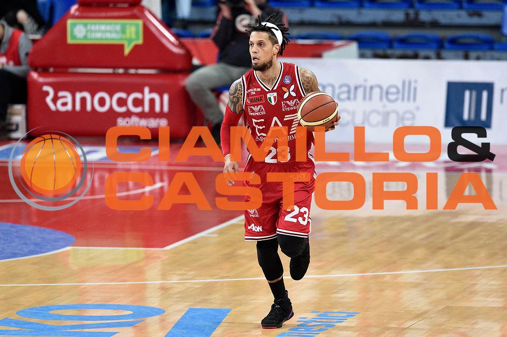 DESCRIZIONE : Pesaro Lega A 2014-2015 Consultinvest Pesaro EA7 Emporio Armani Milano <br /> GIOCATORE : Daniel Hackett<br /> CATEGORIA : palleggio<br /> SQUADRA : EA7 Emporio Armani Milano<br /> EVENTO : Campionato Lega A 2014-2015<br /> GARA : Consultinvest Pesaro EA7 Emporio Armani Milano<br /> DATA : 23/03/2015<br /> SPORT : Pallacanestro<br /> AUTORE : Agenzia Ciamillo-Castoria/GiulioCiamillo<br /> GALLERIA : Lega Basket A 2014-2015<br /> FOTONOTIZIA : Pesaro Lega A 2014-2015 Consultinvest Pesaro EA7 Emporio Armani Milano<br /> PREDEFINITA :