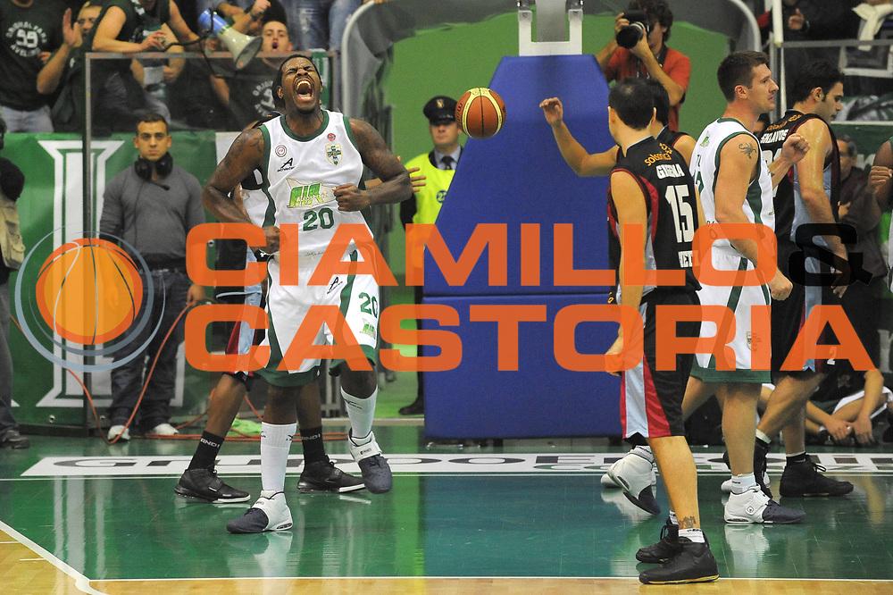 DESCRIZIONE : Avellino Lega A1 2008-09 Air Avellino Solsonica Rieti<br /> GIOCATORE : Eric Williams<br /> SQUADRA : Air Avellino<br /> EVENTO : Campionato Lega A1 2008-2009 <br /> GARA : Air Avellino Solsonica Rieti<br /> DATA : 19/10/2008 <br /> CATEGORIA : Esultanza<br /> SPORT : Pallacanestro <br /> AUTORE : Agenzia Ciamillo-Castoria/G.Ciamillo