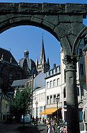 """DEU, Germany, Aachen, view from the square """"Im Hof"""" to the cathedral....DEU, Deutschland, Aachen, Blick vom Platz """"""""Im Hof"""""""" zum Dom. ........"""