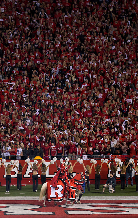 The Rutgers Scarlet Knights take on the Penn State Nittany Lions at HighPoint Solutions Stadium in Piscataway, NJ on Saturday night, September 13, 2014.<br /> Mitch Leff/Rutgers Athletics