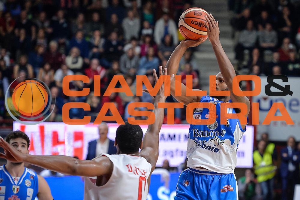 DESCRIZIONE : Varese Lega A 2015-16 Openjobmetis Varese Dinamo Banco di Sardegna Sassari<br /> GIOCATORE : MarQuez Haynes<br /> CATEGORIA : Tiro Ritardo<br /> SQUADRA : Dinamo Banco di Sardegna Sassari<br /> EVENTO : Campionato Lega A 2015-2016<br /> GARA : Openjobmetis Varese - Dinamo Banco di Sardegna Sassari<br /> DATA : 27/10/2015<br /> SPORT : Pallacanestro<br /> AUTORE : Agenzia Ciamillo-Castoria/M.Ozbot<br /> Galleria : Lega Basket A 2015-2016 <br /> Fotonotizia: Varese Lega A 2015-16 Openjobmetis Varese - Dinamo Banco di Sardegna Sassari