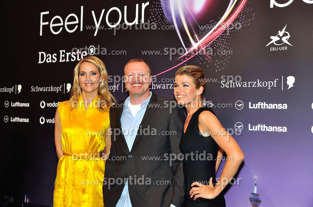 10.05.2011, ESPRIT Arena, Duesseldorf, GER, Eurovision Song Contest 2011, Press Conference, im Bild Judith Rakers, Stefan Raab and Anke Engelke during the press coference of the presenters of the Eurovision Song Contest 2011 at ESPRIT Arena, Duesseldorf .EUROWIZJA FESTIWAL KONFERENCJA PRASOWA. EXPA Pictures © 2011, PhotoCredit: EXPA/ Newspix/ Future Images +++++ ATTENTION - FOR AUSTRIA/(AUT), SLOVENIA/(SLO), SERBIA/(SRB), CROATIA/(CRO), SWISS/(SUI) and SWEDEN/(SWE) CLIENT ONLY +++++