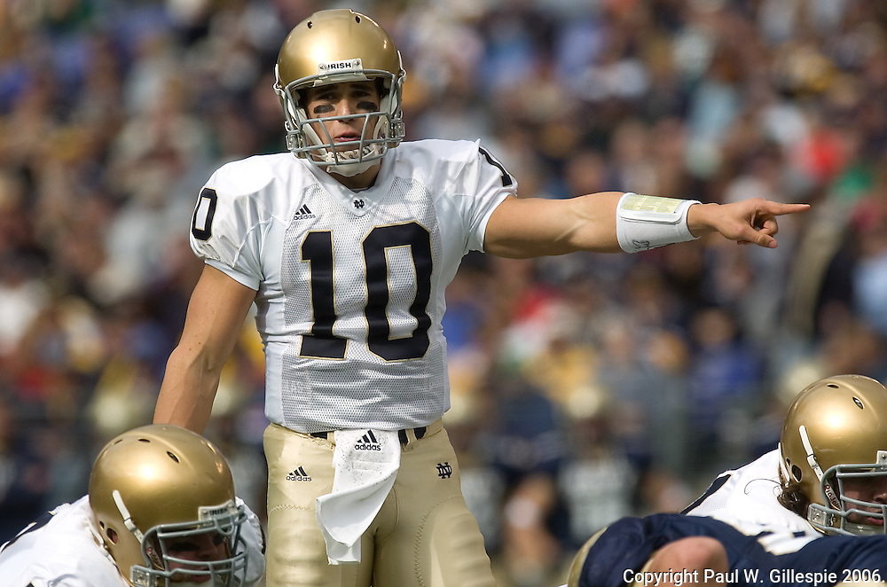 10/28/2006 Notre Dame vs Navy Football at M&T Bank Stadium in Baltimore, MD.  Notre Dame wins 38-14.  Notre Dame Quarterback and possible Heisman Trophy winner #10 Brady Quinn. Photo by Paul W Gillespie