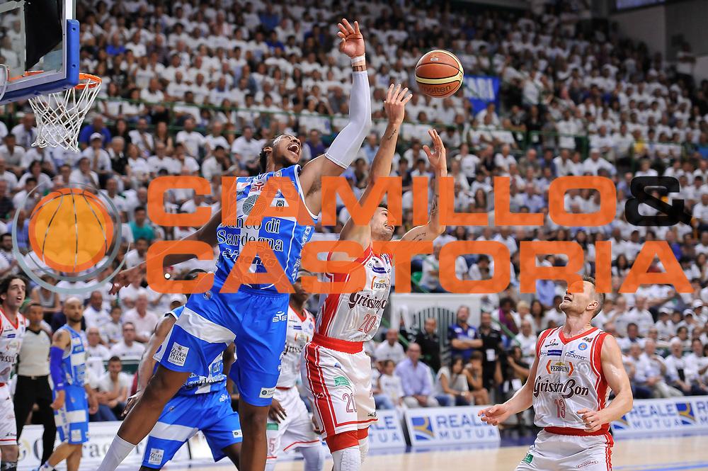 DESCRIZIONE : Campionato 2014/15 Serie A Beko Dinamo Banco di Sardegna Sassari - Grissin Bon Reggio Emilia Finale Playoff Gara6<br /> GIOCATORE : Kenneth Kadji Andrea Cinciarini<br /> CATEGORIA : Rimbalzo<br /> SQUADRA : Dinamo Banco di Sardegna Sassari<br /> EVENTO : LegaBasket Serie A Beko 2014/2015<br /> GARA : Dinamo Banco di Sardegna Sassari - Grissin Bon Reggio Emilia Finale Playoff Gara6<br /> DATA : 24/06/2015<br /> SPORT : Pallacanestro <br /> AUTORE : Agenzia Ciamillo-Castoria/L.Canu