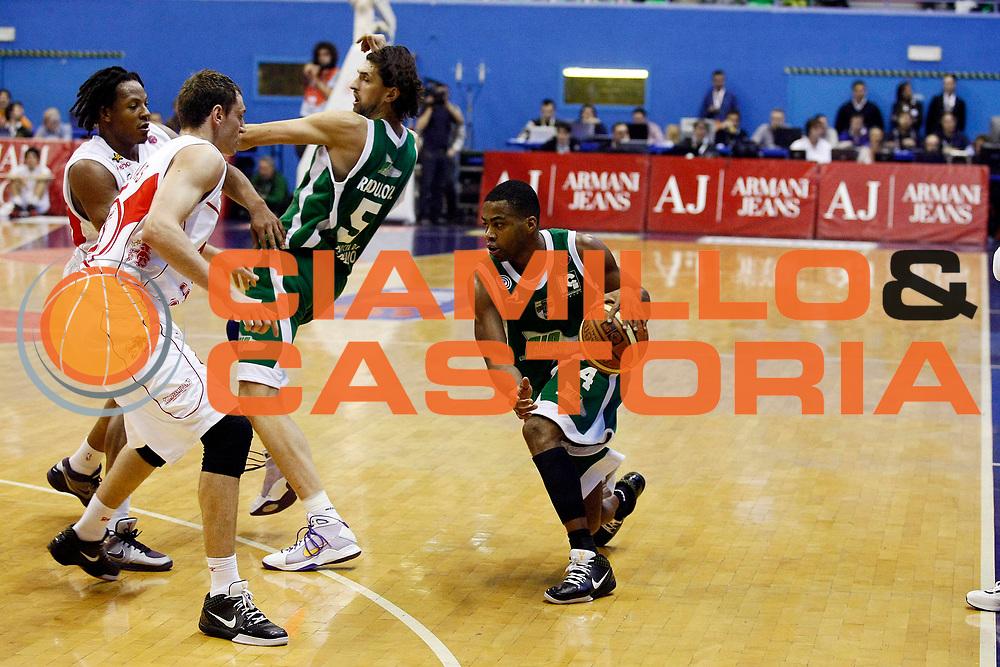 DESCRIZIONE : Milano Lega A 2008-09 Armani Jeans Milano Air Avellino<br /> GIOCATORE : Chris Warren<br /> SQUADRA : Air Avellino<br /> EVENTO : Campionato Lega A 2008-2009<br /> GARA : Armani Jeans Milano Air Avellino<br /> DATA : 15/03/2009<br /> CATEGORIA : Palleggio<br /> SPORT : Pallacanestro<br /> AUTORE : Agenzia Ciamillo-Castoria/G.Cottini
