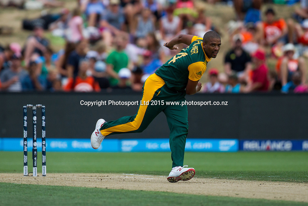 South Africa's Vernon Philander bowling during the ICC Cricket World Cup match - South Africa v Zimbabwe at Seddon Park, Hamilton, New Zealand on Sunday 15 February 2015.  Photo:  Bruce Lim / www.photosport.co.nz
