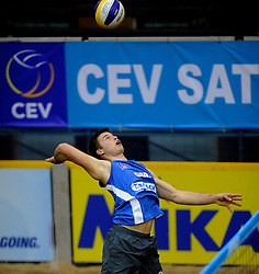 07-01-2011 VOLLEYBAL:  CEV SATELLITE INDOOR BEACHVOLLEYBALL: AALSMEER<br /> The first CEV Indoor beachvolleyball tounament / Malte Stiel GER<br /> ©2011-WWW.FOTOHOOGENDOORN.NL