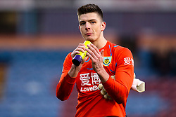 Nick Pope of Burnley celebrates victory over Leicester City - Mandatory by-line: Robbie Stephenson/JMP - 19/01/2020 - FOOTBALL - Turf Moor - Burnley, England - Burnley v Leicester City - Premier League