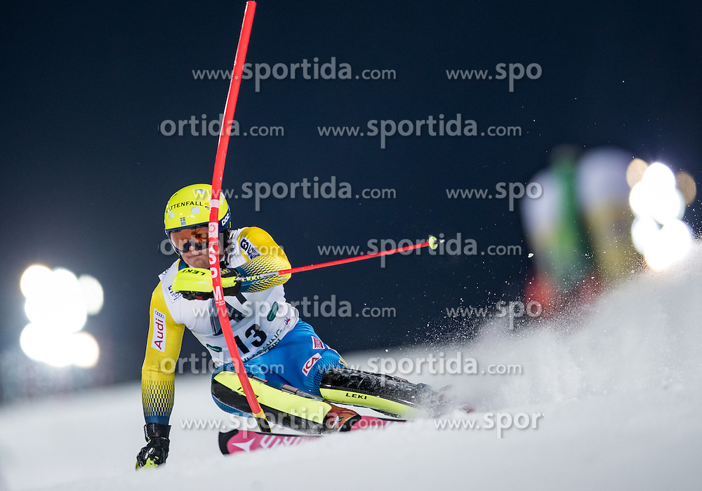 24.01.2017, Planai, Schladming, AUT, FIS Weltcup Ski Alpin, Schladming, Slalom, Herren, 1. Lauf, im Bild Mattias Hargin (SWE) // Mattias Hargin of Sweden in action during his 1st run of men's Slalom of FIS ski alpine world cup at the Planai in Schladming, Austria on 2017/01/24. EXPA Pictures © 2017, PhotoCredit: EXPA/ Johann Groder