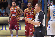 DESCRIZIONE : Cremona Lega A 2015-16 Play Off gara 2 Vanoli Cremona Umana Reyer Venezia <br /> GIOCATORE : Mike Green<br /> CATEGORIA :  Fair play Delusione<br /> SQUADRA : Umana Reyer Venezia<br /> EVENTO : Campionato Lega A 2015-2016 GARA : Vanoli Cremona vs Umana Reyer Play Off gara 2<br /> DATA : 10/05/2016 <br /> SPORT : Pallacanestro <br /> AUTORE : Agenzia Ciamillo-Castoria/I.Mancini<br /> Galleria : Lega Basket A 2015-2016 Fotonotizia : Cremona Lega A 2015-16 PlayOff Gara 2  Vanoli Cremona Umana Reyer Venezia