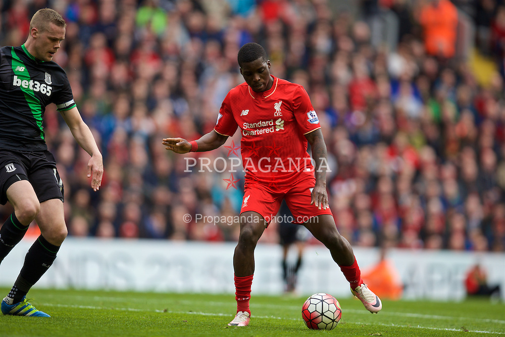 LIVERPOOL, ENGLAND - Sunday, April 10, 2016: Liverpool's Sheyi Ojo in action against Stoke City during the Premier League match at Anfield. (Pic by David Rawcliffe/Propaganda)