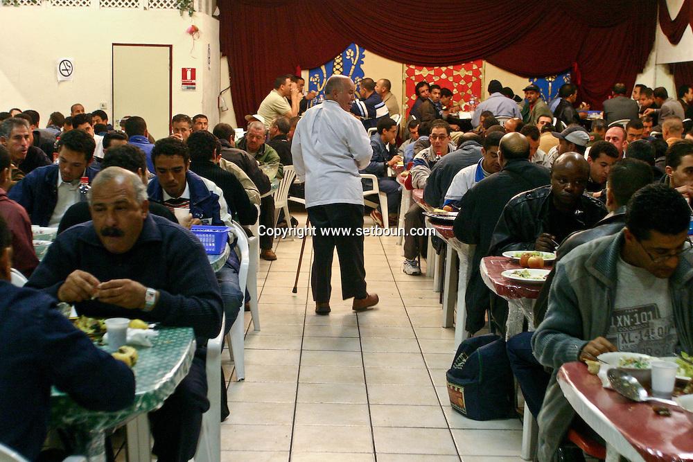 = Ramadan diner organised for poor people by Mr Salah ben messaoud/////le ramadon comme chez soi. la chorba du ramadan  organise par salah ben Messaoud,Chevillard, MME AFFIFI, MR ET MME  ZOUHIR  Marseille  France Marseille  France  +/L0008534