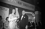 Dairy Queen of Ireland Crowned at the Shelbourne Hotel. Miss Gerladine Coogan.<br /> 20.01.1966