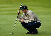 Photograph: Scott Heavey<br />Volvo PGA Championship At Wentworth Club. 23/05/2003.<br />Henrik Bjørnstad lines up a putt on the 12th.