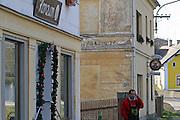 Nova Role (Neurohlau)/Tschechische Republik, CZE, 14.12.06: Schriftliche Spuren einer Sudetendeutschen Vergangenheit in der Stadt Nova Role (Neurohlau) in der Nähe von Karlovy Vary (Karlsbad).<br /> <br /> Nova Role (Neurohlau)/Czech Republic, CZE, 14.12.06: Traces of a Sudeten German history at a wall in the city Nova Role close to Karlovy Vary (Karlsbad).