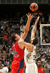 20.03.2014, Palacio de los Deportes, Madrid, ESP, Basketball EL, Real Madrid vs CSKA Moskau, Gruppe F, im Bild Real Madrid's Ioannis Bourousis (r) and CSKA Moscow's Sasha Kaun // Real Madrid's Ioannis Bourousis (r) and CSKA Moscow's Sasha Kaun during the group F Basketball Euroleague between Real Madrid and CSKA Moscow at the Palacio de los Deportes in Madrid, Spain on 2014/03/20. EXPA Pictures © 2014, PhotoCredit: EXPA/ Alterphotos/ Acero<br /> <br /> *****ATTENTION - OUT of ESP, SUI*****