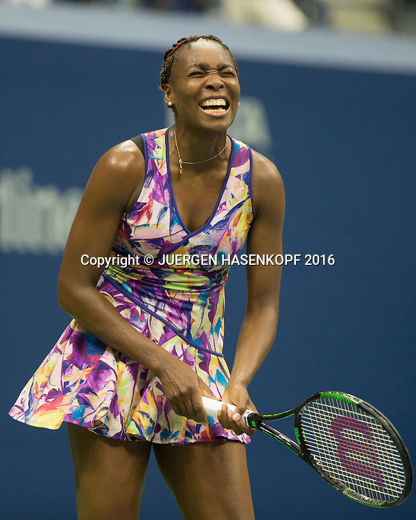 VENUS WILLIAMS (USA) reagiert veraergert,<br /> Frust,Emotion,<br /> <br /> <br /> Tennis - US Open 2016 - Grand Slam ITF / ATP / WTA -  USTA Billie Jean King National Tennis Center - New York - New York - USA  - 1 September 2016.