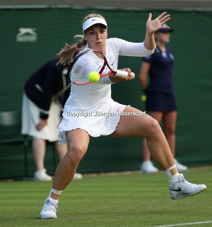 Wimbledon Championships 2013, AELTC,London,<br /> ITF Grand Slam Tennis Tournament,<br /> Sabine Lisicki (GER),Aktion,Einzelbild,Ganzkoerper,Querformat,
