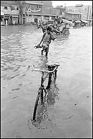 Pakistan, Punjab, Lahore, Inondation pendant la mousson. // Pakistan, Punjab, Lahore, Flood after monsoon