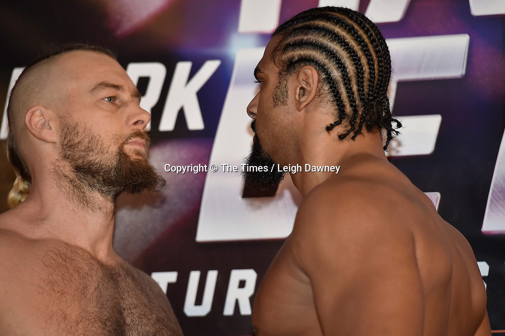 Mark de Mori (L) faces David Haye at the official weigh in ahead of their heavyweight contest. The O2, London. 15th January 2016. Credit: Times Photographer Leigh Dawney