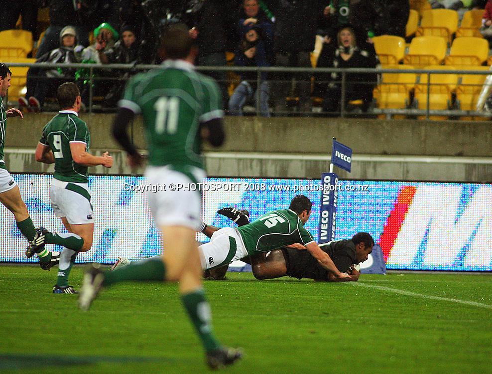 Sitiveni Sivivatu scores the first try of the match.<br /> International Test Match - All Blacks v Ireland, Westpac Stadium, Wellington. Saturday 7 June 2008. Photo: Dave Lintott/PHOTOSPORT
