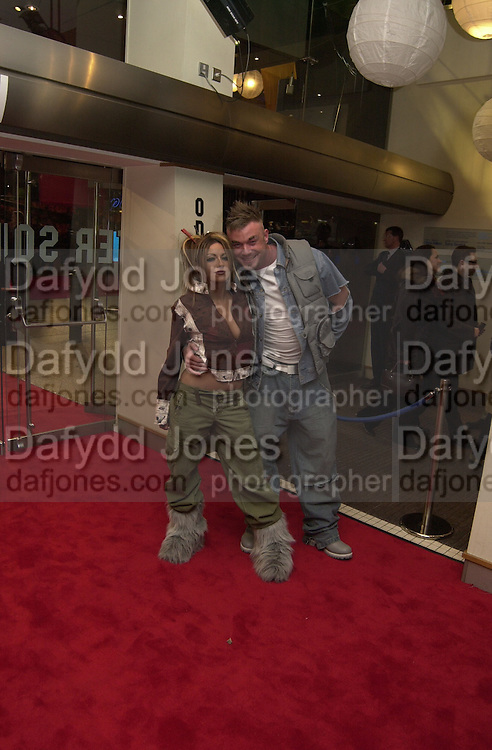 Jodie Marsh and Fran Cosgrove, The Last Samurai fil premiere, Leicester Sq. 6 January 2004.  © Copyright Photograph by Dafydd Jones 66 Stockwell Park Rd. London SW9 0DA Tel 020 7733 0108 www.dafjones.com