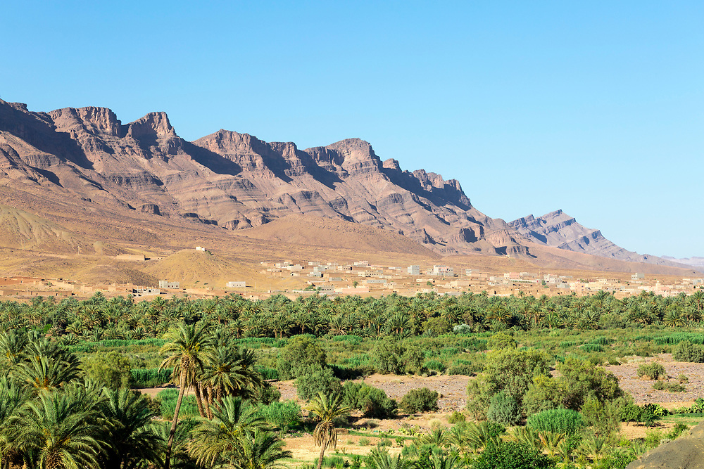 Landscape of the distinctive windswept synclinal rock formations of Jbel (Mount) Kissane mountain, Draa Valley, Southern Morocco, 2015-06-13. <br />