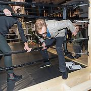 NLD/Rotterdam/20171117 - Opening TYR Boxing, Bernhard van Oranje Jr. stapt uit de boksring