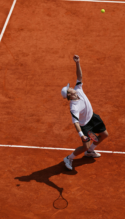 MONTE-CARLO, MONACO - Wednesday, April 16, 2003: Magnus Norman (Sweden) serves at the Monte-Carlo Country Club during the 2nd Round of the Tennis Masters Monte-Carlo. (Pic by David Rawcliffe/Propaganda)